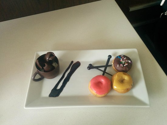 Delta Hotels by Marriott Edmonton South Conference Centre: A sweet treat