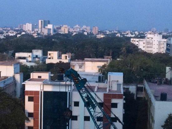 Courtyard by Marriott Chennai : エレベータホールからの眺め