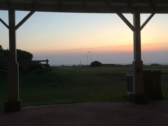 Deane's Oceanfront Lodge: view from the comfy chair at my window