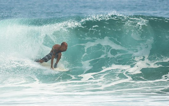 Surfcamp - Palm Beach Krui: Triying to do my best in Krui Left.