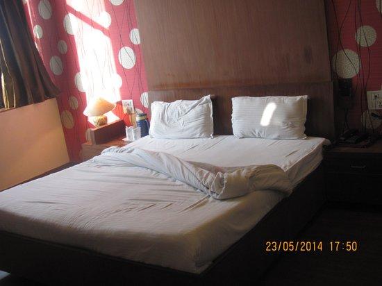 Hotel PR Residency: Bedroom