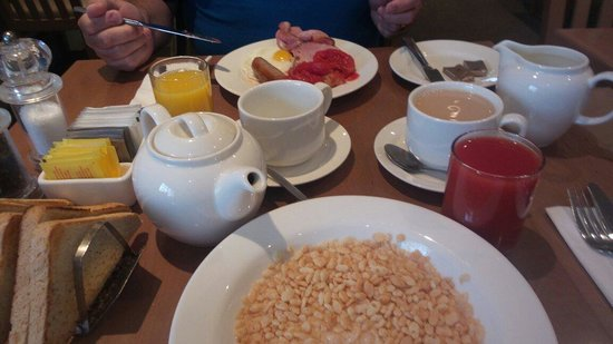 TLH Derwent Hotel: Breakfast in the back of beyond dining room