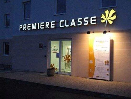 Premiere Classe Bourg En Bresse - Montagnat : Entrée de l'hôtel