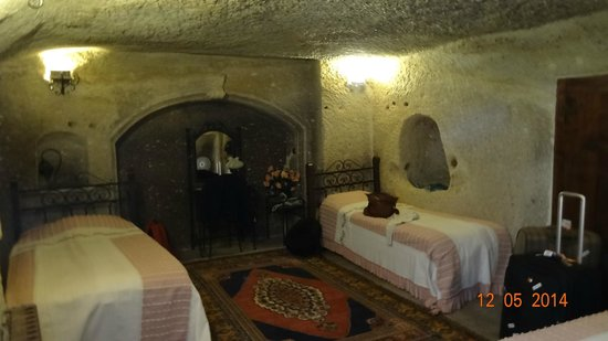 Divan Cave House: Cave Room