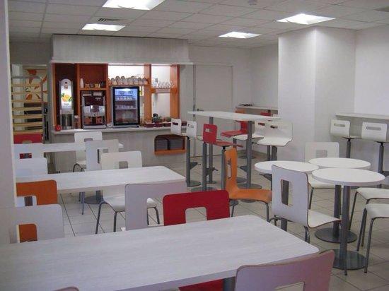 Premiere Classe Bourg En Bresse - Montagnat : Salle Petit Déjeuner
