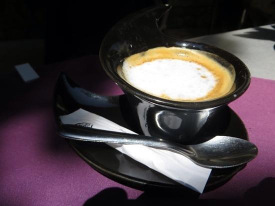 Le Cafe des Baux : un café au café des Baux