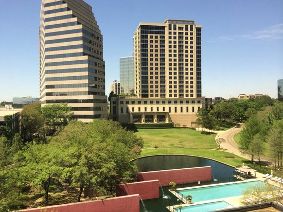 Omni Houston Hotel: View from room