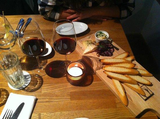 Restaurant Sassafraz: Starter – local cheese and sausage plate