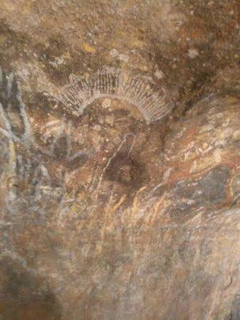 Desert Gardens Hotel, Ayers Rock Resort : Uluru rock wall paintings