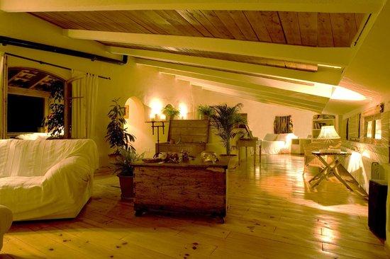 Dalt Muntanya: Habitaciones / Rooms
