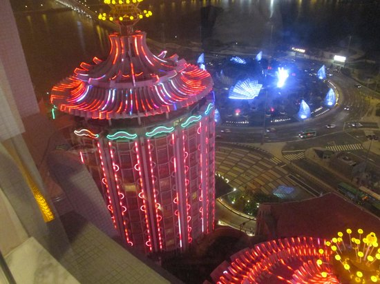 Hotel Lisboa Macau: Night View from Tower rooms