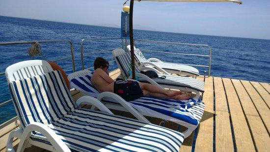 Maritim Jolie Ville Royal Peninsula Hotel & Resort : sun deck, sitting on the ocean