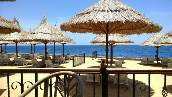 Maritim Jolie Ville Royal Peninsula Hotel & Resort : restaurant beach bar