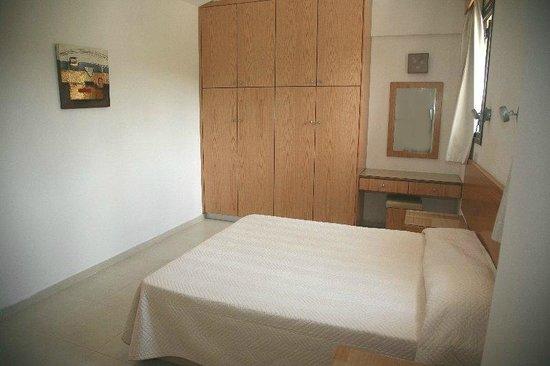 Platzia Villas : 4 bedroom villa double bed 2