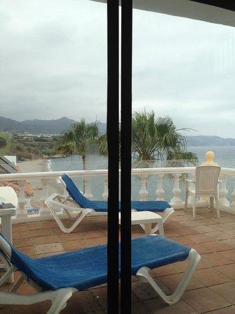Hotel Paraiso del Mar: the sliding doors don't close properly