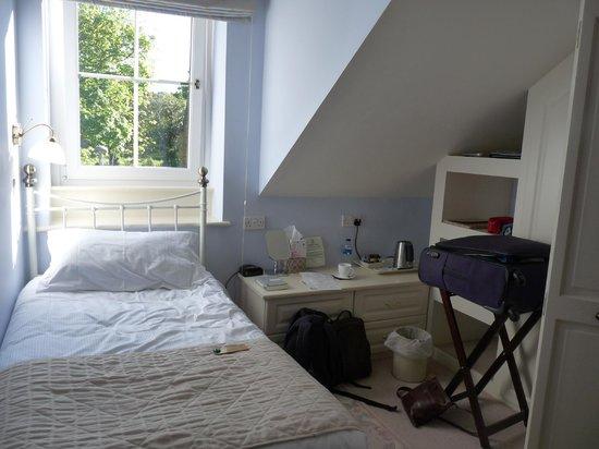 Oronsay House: Room 5 (single)