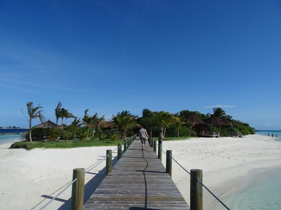 Komandoo Maldives Island Resort: .