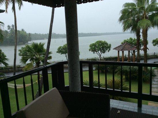 Ramada Resort Cochin: Cottage room balcony