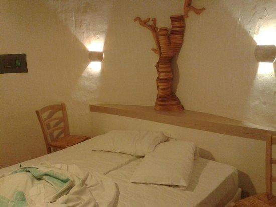 Hotel Resort & SPA Baia Caddinas: camera