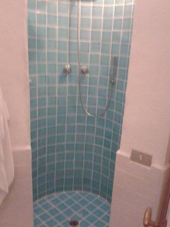 Hotel Resort & SPA Baia Caddinas: doccia