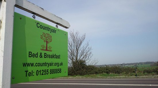 Countryair Bed & Breakfast: Easy to find road sign