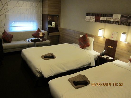 Mitsui Garden Hotel Sapporo : Clean and spacious room