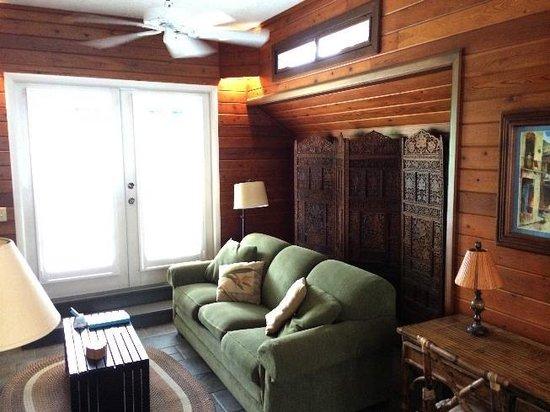 Eden House: Living room