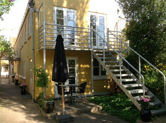 Paa Torvet Cafe: Cozy holiday apartments with private bath & toilet