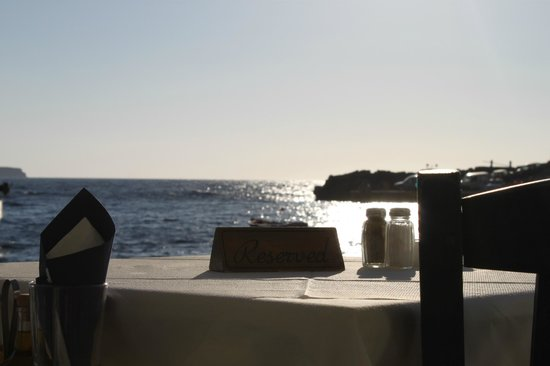 Amoudi Bay : Restaurant view