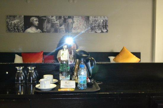 SC Inn Boutique Hotel: Su 300 lük.Diğer şişe ücretli