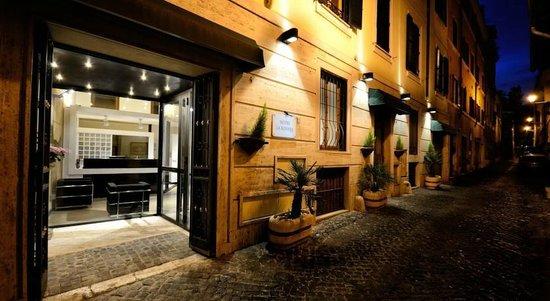Hotel La Rovere : Hotel Entrance