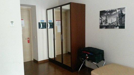 A Trastevere da M.E. : Spacious wardrobe