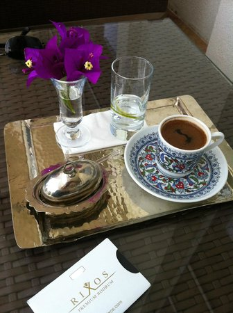 Rixos Premium Bodrum: Turquoise'da Türk kahvesi servisi