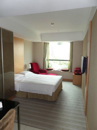 Novotel Century Hong Kong: Nice airy bright room