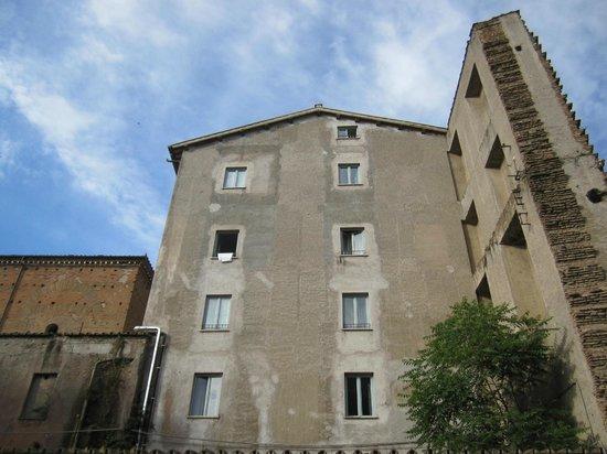 Domus Sessoriana Hotel: Daar helemaal boven rechts zaten we!