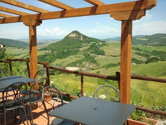 Osteria Villa Felice: tavoli esterni