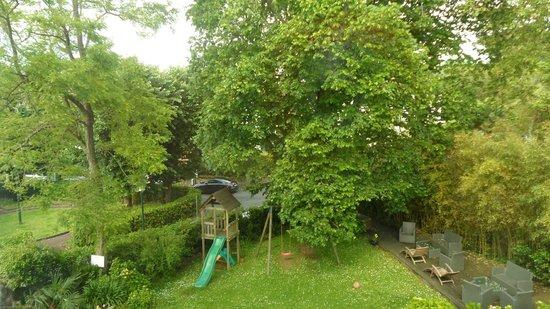 Hôtel les Goëlands : jardin