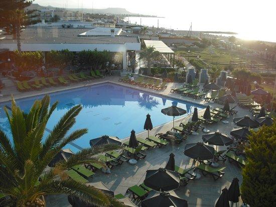 Club Marmara Marina Beach : Piscine animée