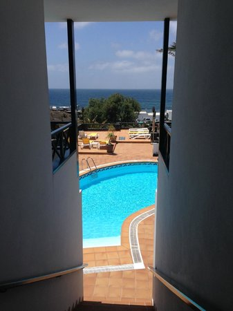 Hotelito del Golfo: Pool viewed from between the hotel rooms 8 and 9