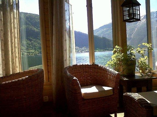 Hofslund Fjord Hotel: Inner lobby1