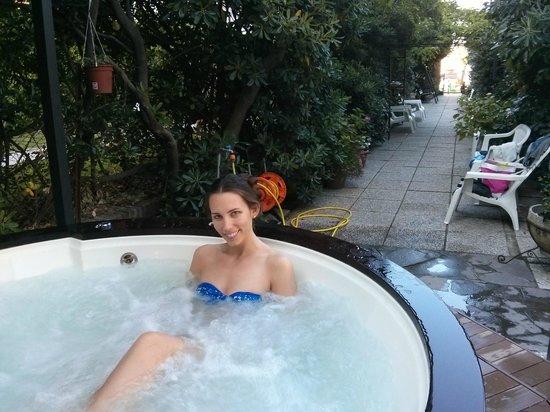 Hotel La Perla: Piscina idromassaggio