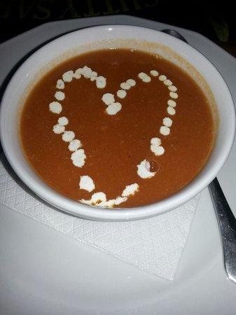 Manos' Fish Restaurant : Fresh tomato soup!!!!!