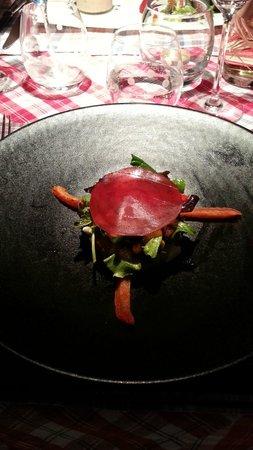 Restaurant La Grappe d'Or : Munster « blanc » sur méli mélo de salade