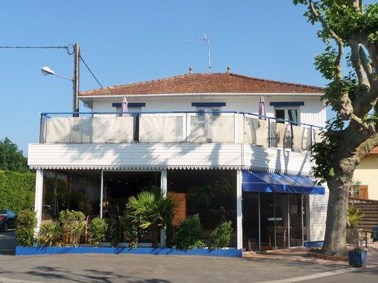 Hôtel Restaurant Le Saint Eloi : L'avant de l'hôtel