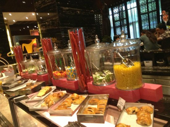 InterContinental Shanghai Puxi: the candy counter at breakfast