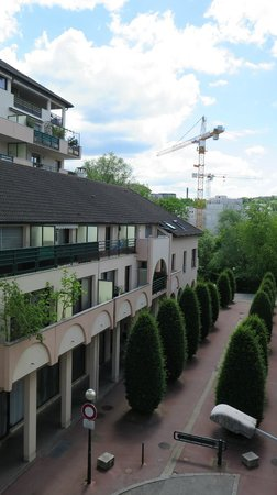 Ibis Styles Annecy Gare Centre: right view from terrace