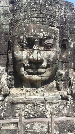 Bayon (Angkor) : What an amazing temple, so calming and historic being able to see the stories in the walls was f
