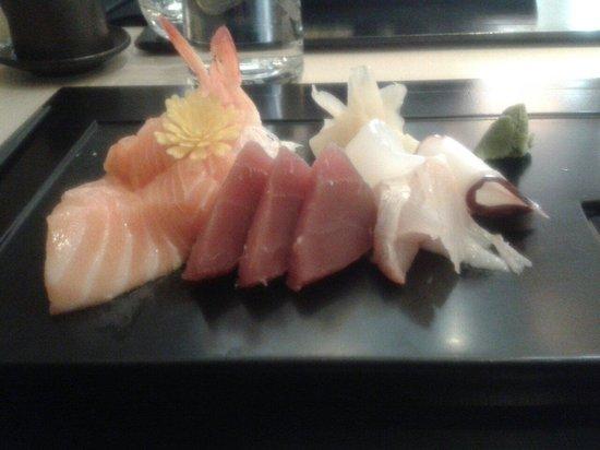 Restaurant IIDA-YA: Assortiment de sashimi