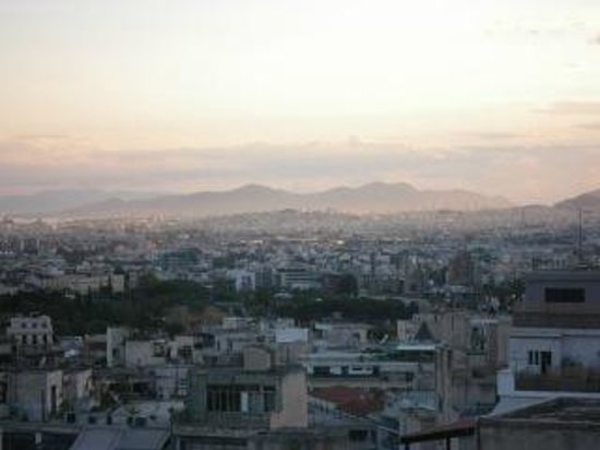 Athens Center Square: abendlicher Ausblick von der Dachterrasse