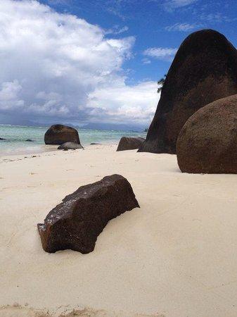 Hilton Seychelles Labriz Resort & Spa : da beach by the spa